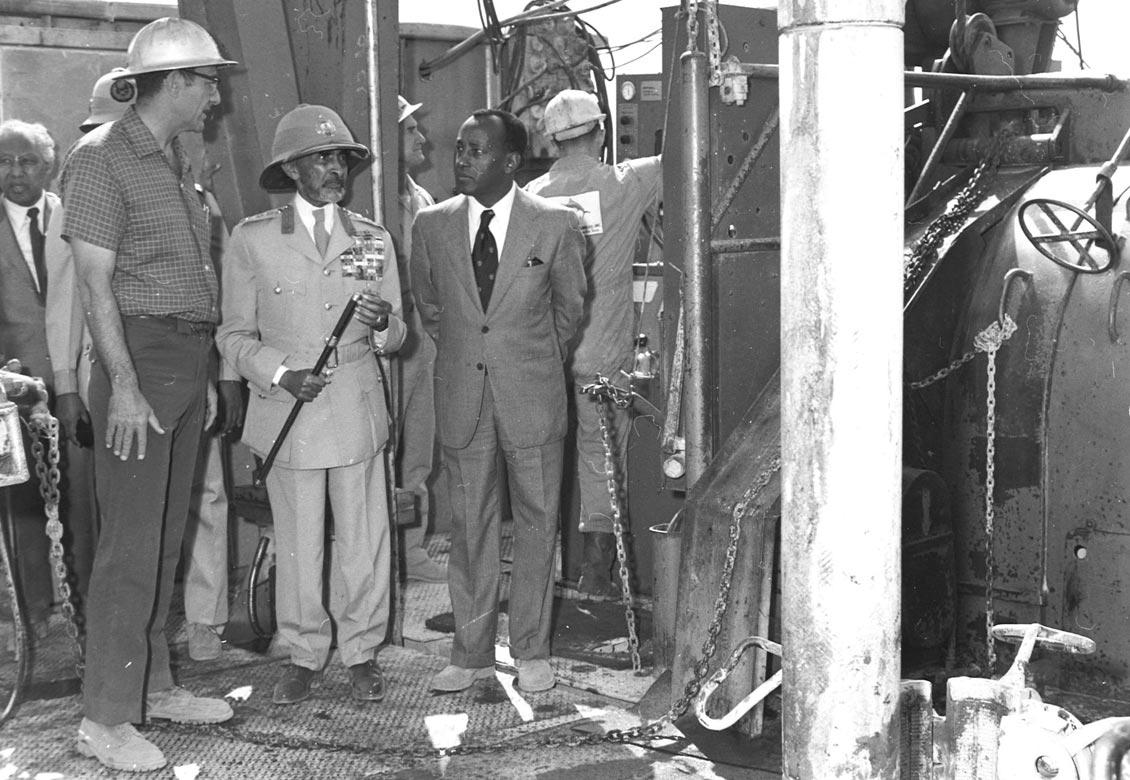 Визит императора Эфиопиии Хайле Селассие на скважину Calub-1 компании Tenneco. 1973.