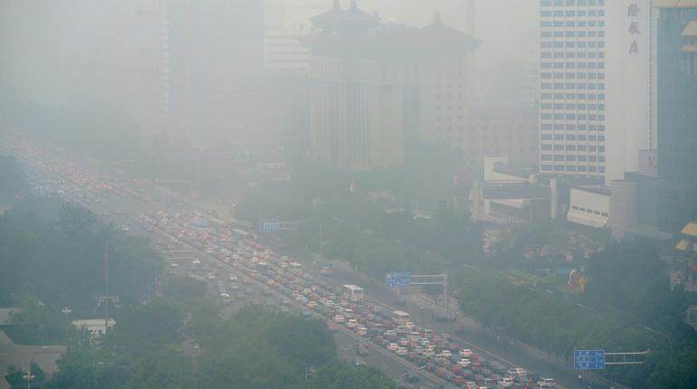 Смог в Пекине. Ожидается, что в рамках борьбы с загрязнением воздуха китайское правительство будет использовать больше природного газа для отопления и электрогенерации.