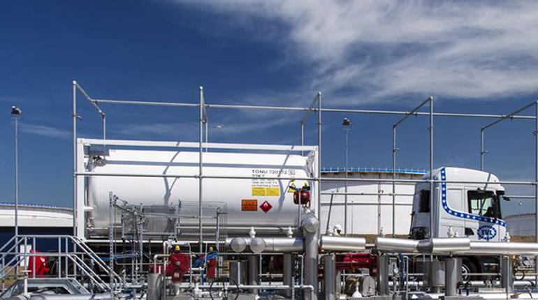 Загрузка автоцистерн на СПГ-терминале Gate. Эксперты считают, что небольшие компании могут положительно повлиять на европейский спрос на газ.(Gate)