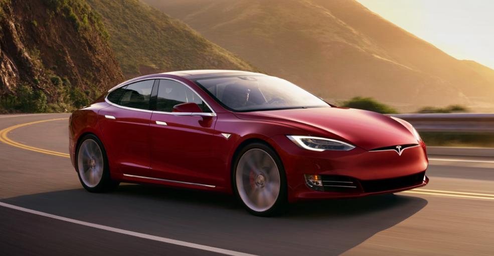 Немецким владельцам Tesla Model S придётся вернуть субсидию