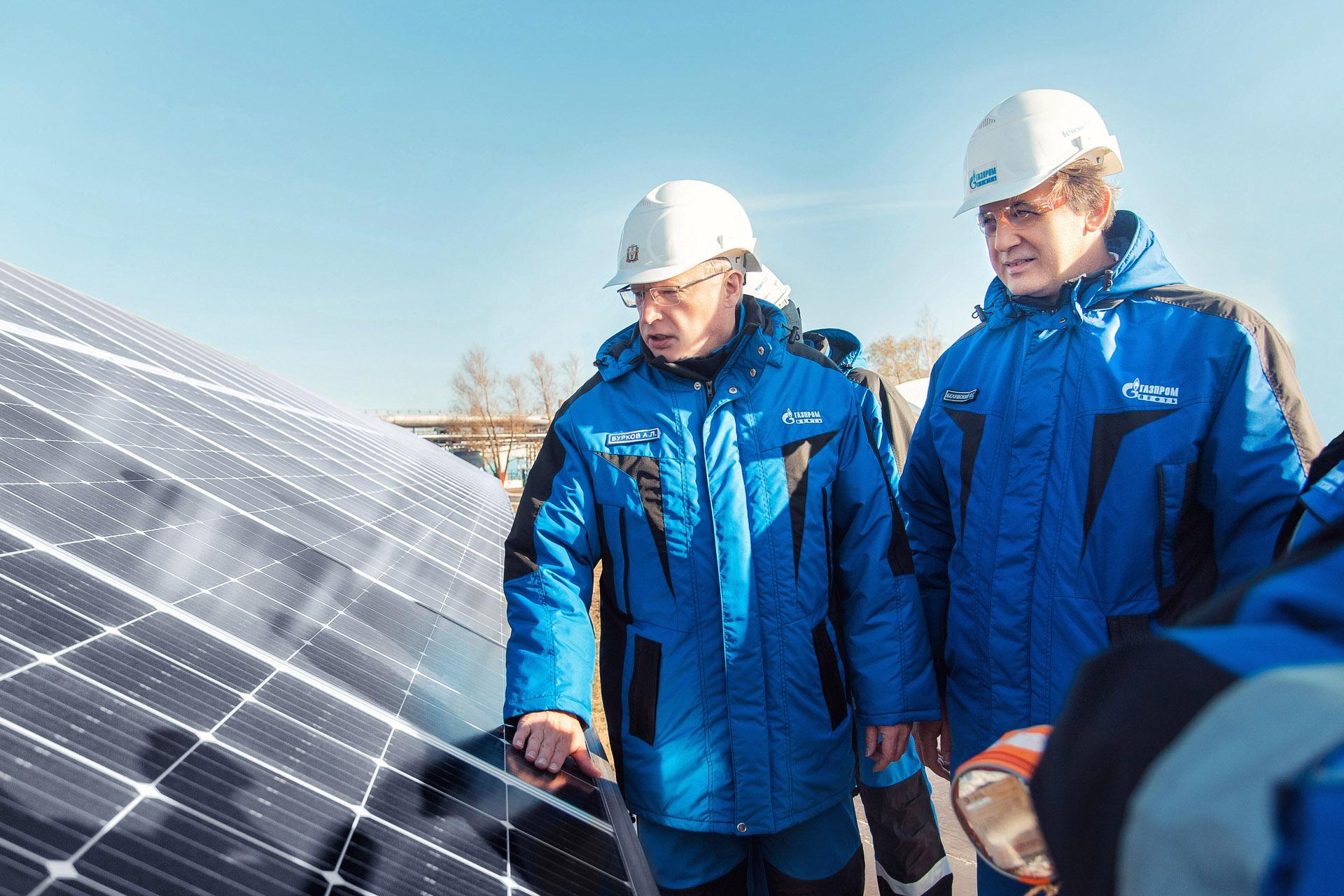«Газпром нефть» запустила солнечную электростанцию на Омском НПЗ